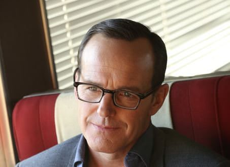Agents of SHIELD 1x13 - Coulson en el tren