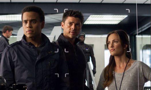 Almost Human 1x10 John, Dorian y Valerie