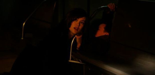 The Blacklist 1x17 Ivan - Liz en el tren