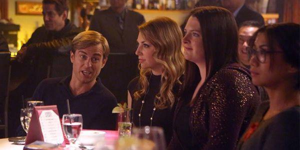 Crítica de Super Fun Night: Richard, Kendall, Marika y Helen-Alice