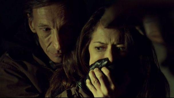 Orphan Black 2x02: Sarah es secuestrada durante la búsqueda de su hija