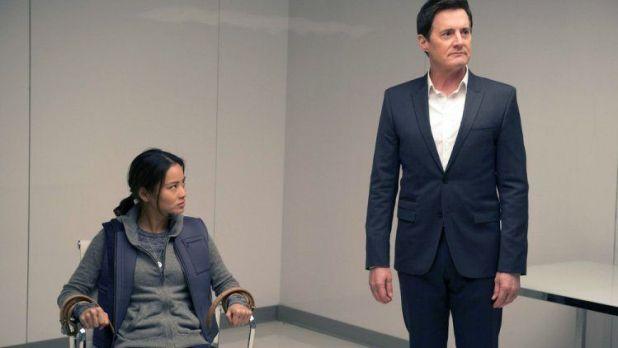 Believe 1x09 - Channing atrapada por Skouras