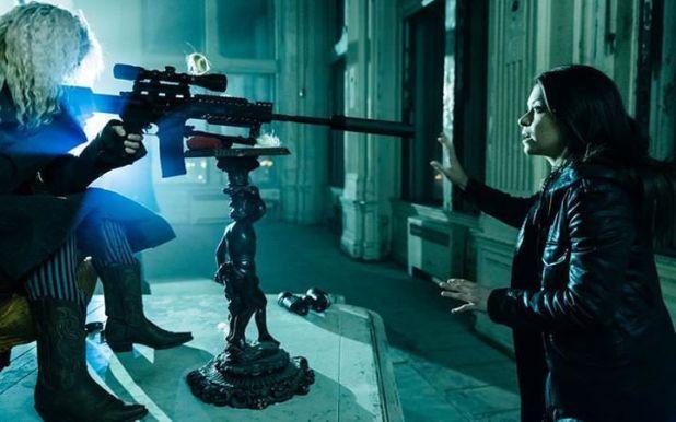 Orphan Black 2x05: Sarah se pone ante Helena para evitar que mate a Rachel todavía.