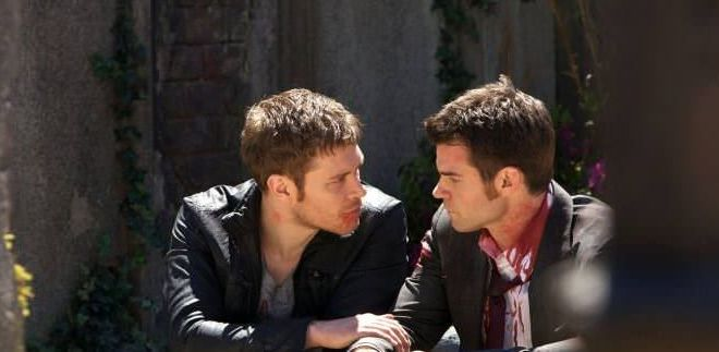 The Originals 1x22 From a Cradle to a Grave - Escena en el cementerio
