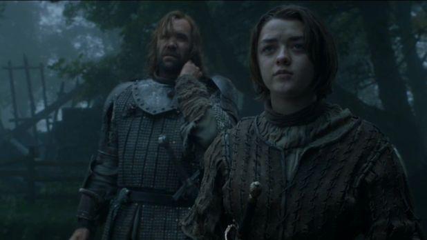 Juego de Tronos 4x07: Arya se va descubriendo a sí misma mientras acaba con uno de sus captores en Harrenhal.