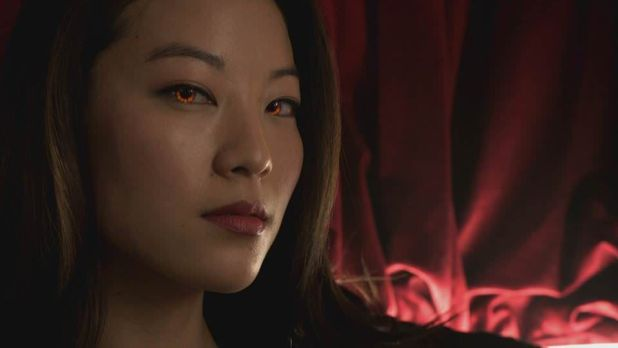 Teen Wolf 4x01 The Dark Moon - Kira con ojos de zorro
