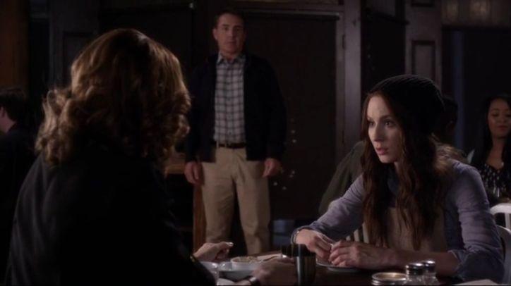 Pretty Little Liars 5x06: A pesar de que Spencer ya sabe que su padre no mató a la Sra. DiLaurentis, su familia parece que superará tantas mentiras.