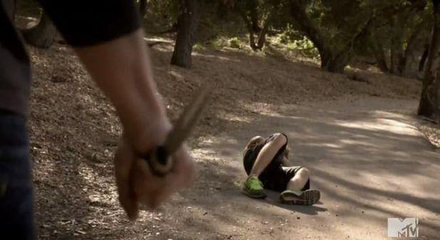 Teen Wolf 4x06 Orphaned - Ataque en bosque