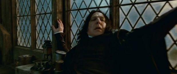Snape en apuros en Harry Potter and the Deathly Hallows P2