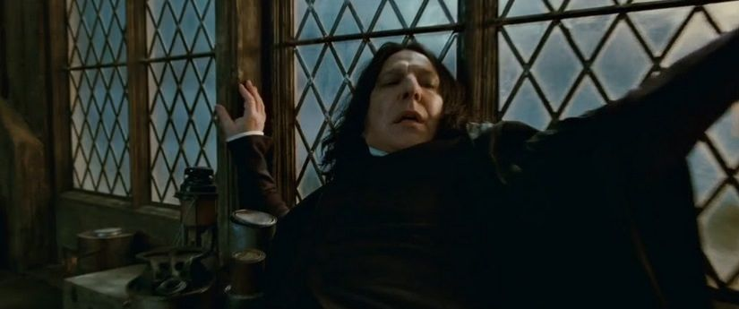 Snape en apuros en Harry Potter and the Deathly Hallows P2