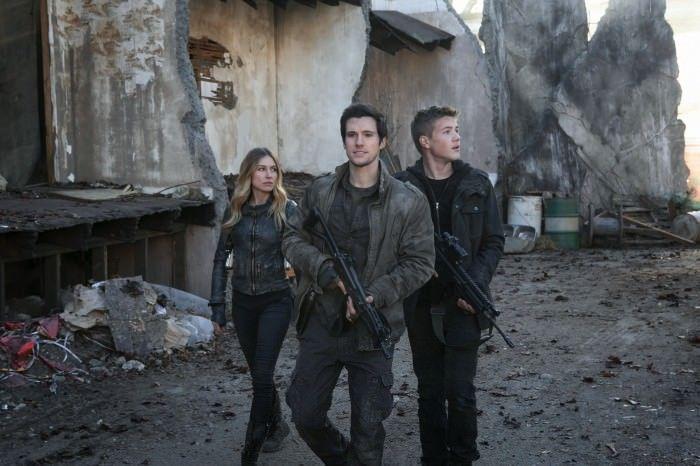 Falling Skies 4x12: Hal deberá confiar en Maggie y Ben para librarse de la niebla y de los bichos que quieren skitterizarlos.