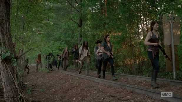 The Walking Dead 5x01 - Los supervivientes abandonan Terminus