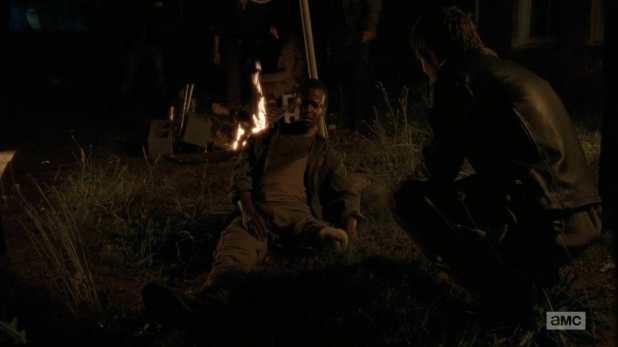 The Walking Dead 5x02 - Bob es la primera víctima de los Cazadores