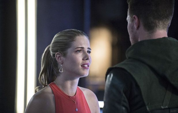 Arrow 3x02 Sara