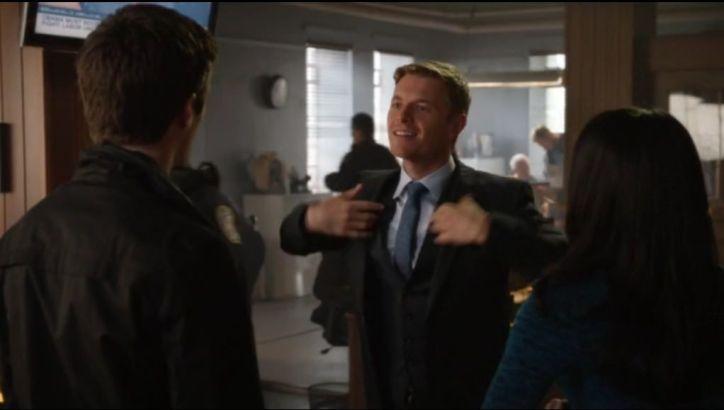 Crítica de The Flash: Como la mayoría de series (juveniles), The Flash nos traerá también un triángulo amoroso.