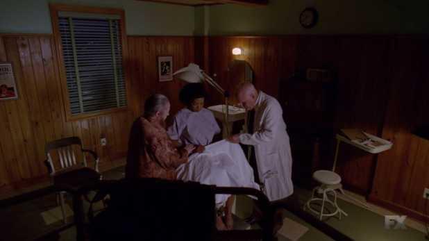 American Horror Story Freak Show 4x04 y 4x05 - Desiree descubre que es una mujer en vez de hermafrodita