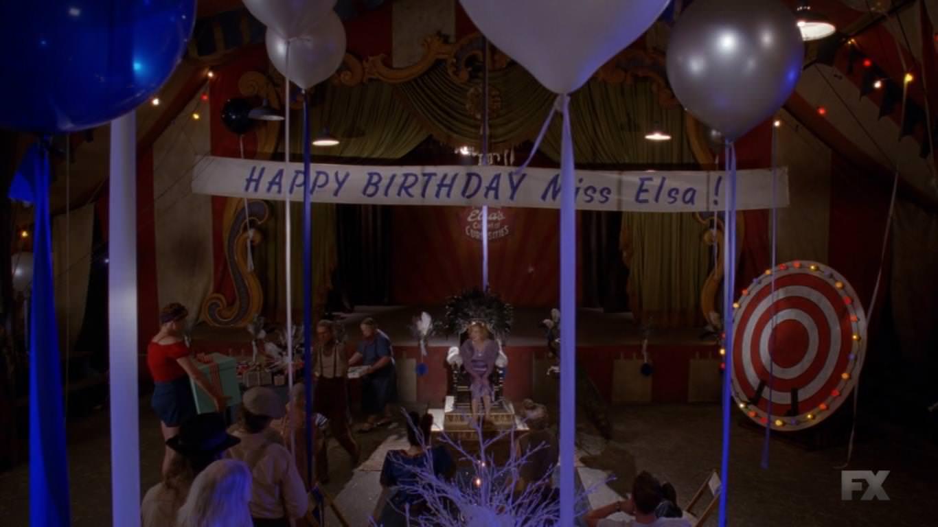American Horror Story Freak Show 4x06 - El cumpleaños de Elsa.