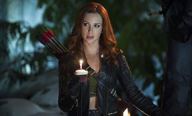 Arrow 3x07: Cupid se obsesiona por el amor de Arrow y le va dejando cuerpos por la ciudad para captar su atención.