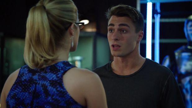 Arrow 3x06: Roy confiesa la verdad sobre sus pesadillas y se enfrenta al rechazo de casi todos, aunque Oliver sigue dando la cara por él.