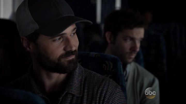 Agents of SHIELD 2x07: Ward huye, elude a todos los agentes de Coulson pero les regala a Bakshi, mano derecha de Whitehall en HYDRA.