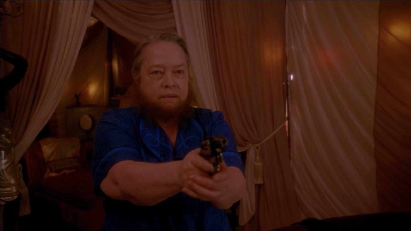 American Horror Story Freak Show 4x08 - Ethel es la primera muerte del capítulo