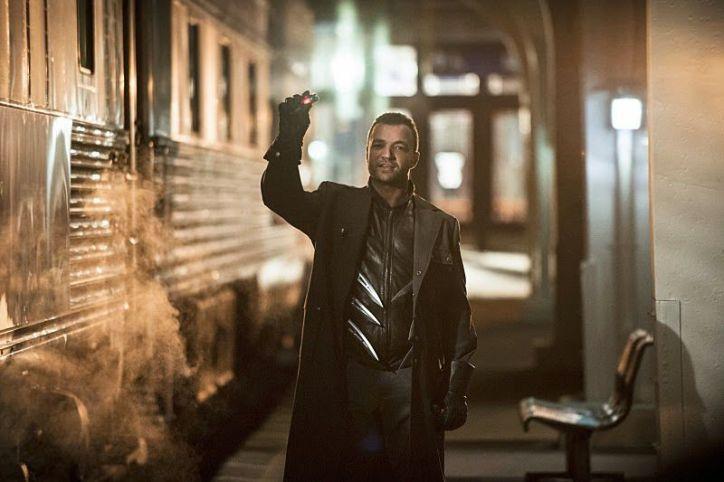 Arrow 3x08: El asesino del boomerang resulta ser un ex-recluso de ARGUS, miembro del escuadrón suicida que quiere vengarse de Lyla.