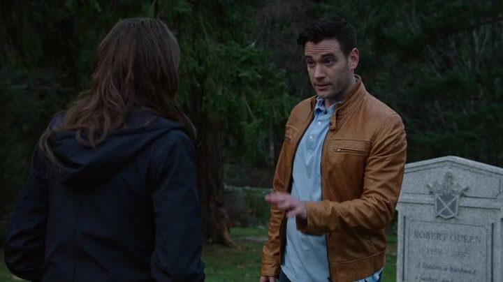 Arrow 3x14: Los flashbacks muestran a un Oliver preocupado por su familia y sus amigos y su intención de regresar de entre los muertos.