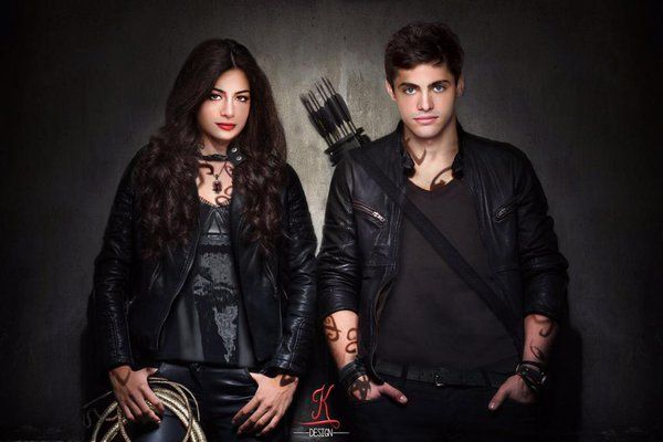 shadowhunters-isabelle-alec