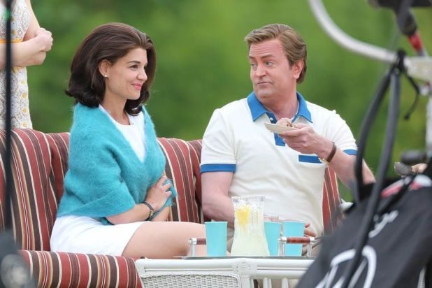 Katie Holmes y Matthew Perry protagonizan 'Kennedys: After Camelot' en COSMO