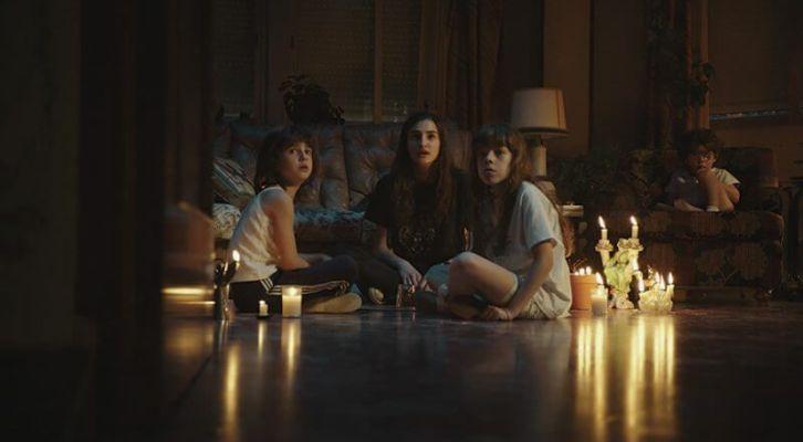 Crítica de 'Verónica': la película que se queda contigo