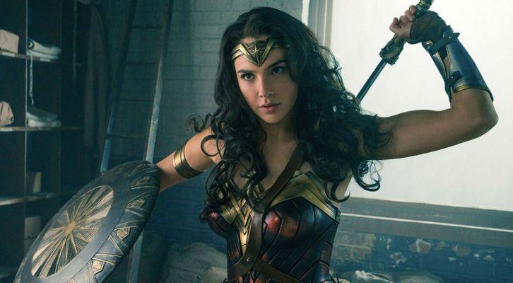 #noticiasUSA: Nueva fecha de estreno para 'Wonder Woman 2', Amazon compra los derechos de 'El Señor de los Anillos' y 'Shameless' renovada