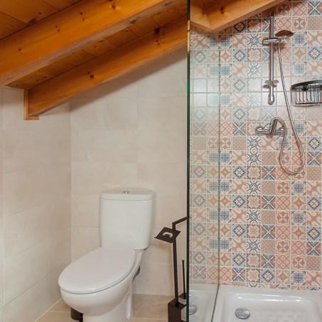 Baño primera planta, ducha. El rincón de Carmina.