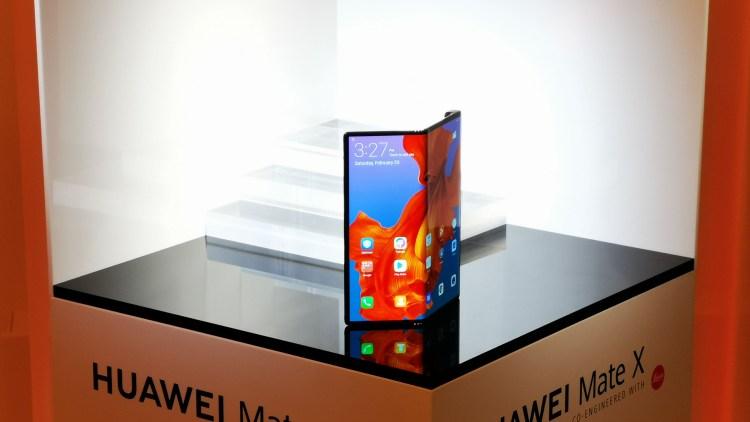 El Huawei Mate X, fue presentado en febrero
