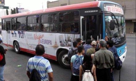 DEJAN TIRADOS (OTRA VEZ) A USUARIOS DE TRANSPORTE PÚBLICO