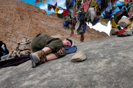 Trekking in Ladakh, India, 2004. Hummm, I am sure you guessed already... Not the most fit person on earth, walking for hours at 4.200m... Enjoying a nap under the prayer flags...