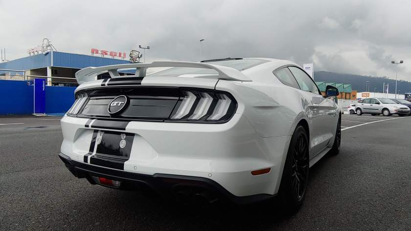 Trasera Ford Mustang GT