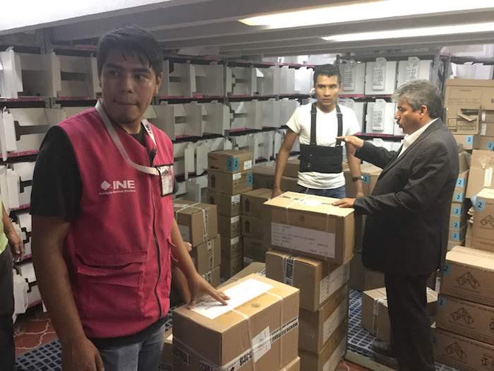 Elementos del Ejército Mexicano custodian boletas electorales en Lagos de Moreno. Foto: Sergio Hernández Márquez