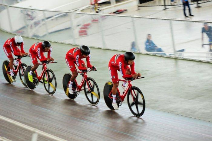 Equipo mexicano de ciclismo en la competencia de persecución en Barranquilla