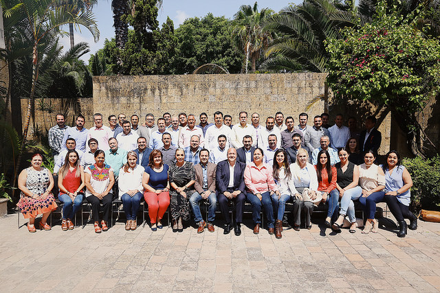 Alcaldes electos de MC Jalisco con Enrique Alfaro