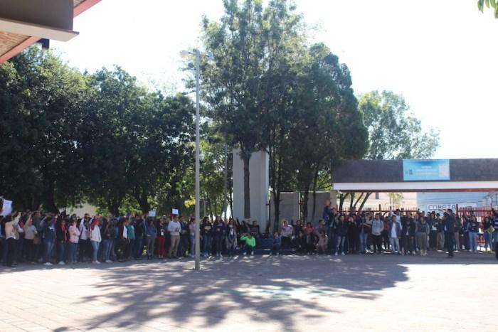 Protestan alumnos del CULagos por la muerte de dos estudiantes del CUCSH