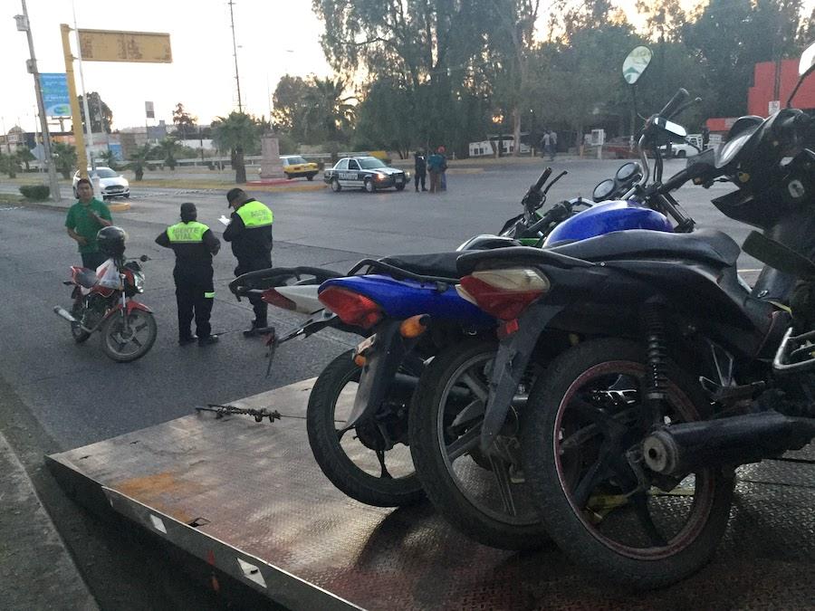 Tregua a motociclistas: Ayuntamiento frena las multas por falta de placas