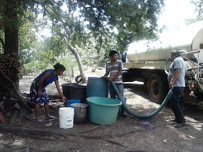 Agua en pipas en Lagos de Moreno
