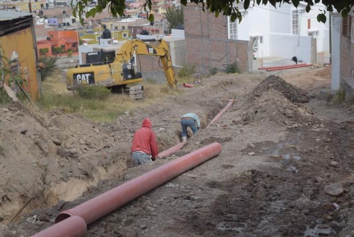 Obras en la calle Custiques en la Colonia La Campana en Lagos de Moreno