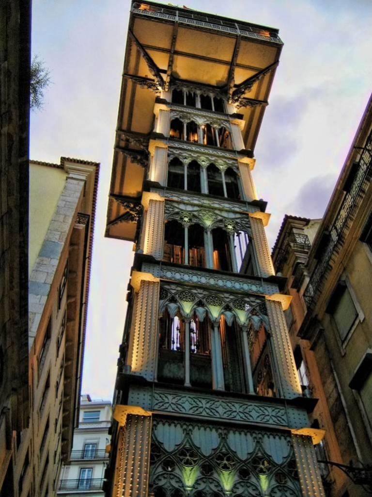 ascenseur de lisbonne
