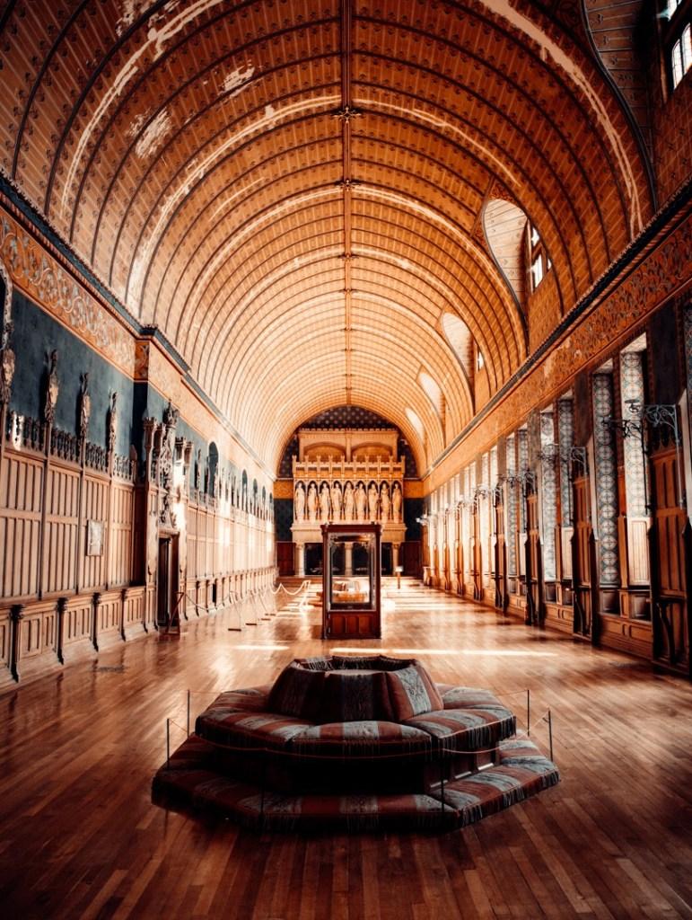 salle-des-armes-chateau-pierrefonds