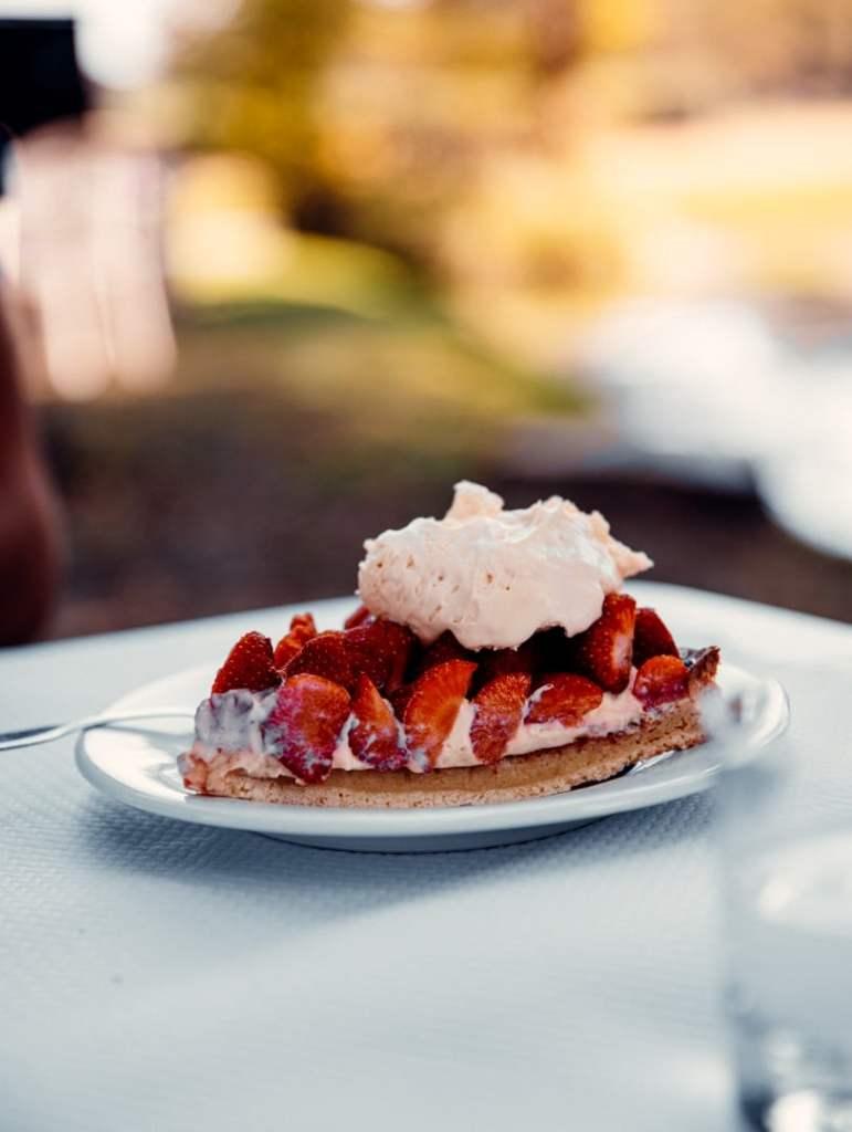 dessert-tarte-aux-fraise-creme-chantilly
