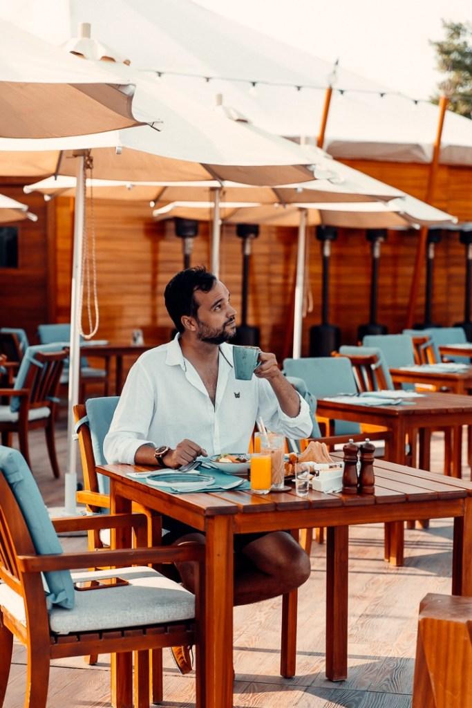 breakfast al hamra beach