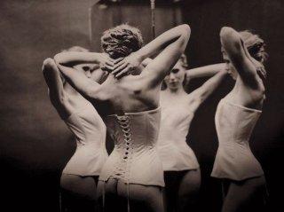 vintage-corset-with-garters1
