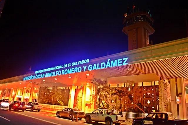 Aeropuerto Oscar Romero seguirá cerrado hasta nuevo aviso