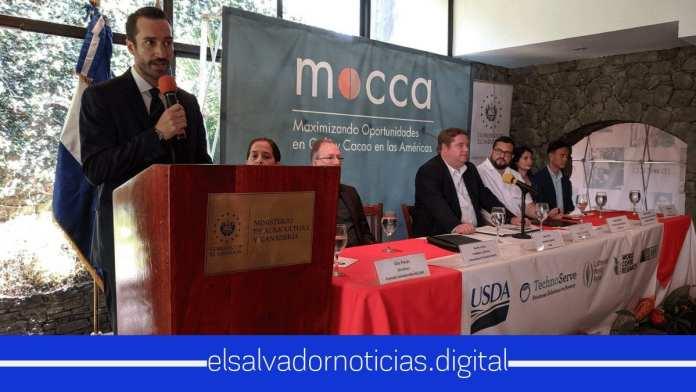 Embajador Ronald Johnson anuncia que se invertiran $6 millones para la producción del café y cacao de El Salvador.